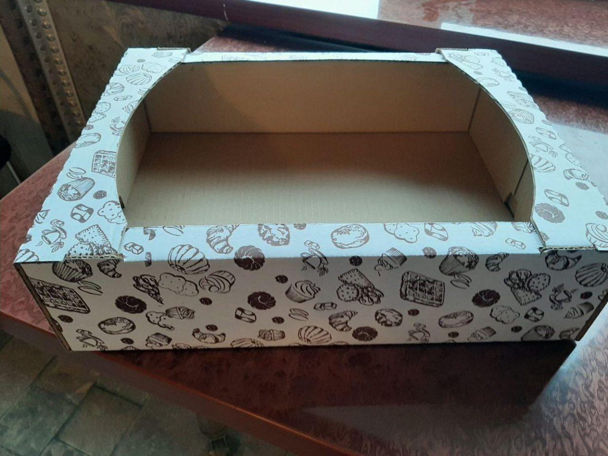 Коробки для печенья с логотипом.
